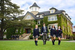 Phỏng vấn nhập học trường nội trú St.Michaels University school- top 8 Canada kỳ tháng 9/2018